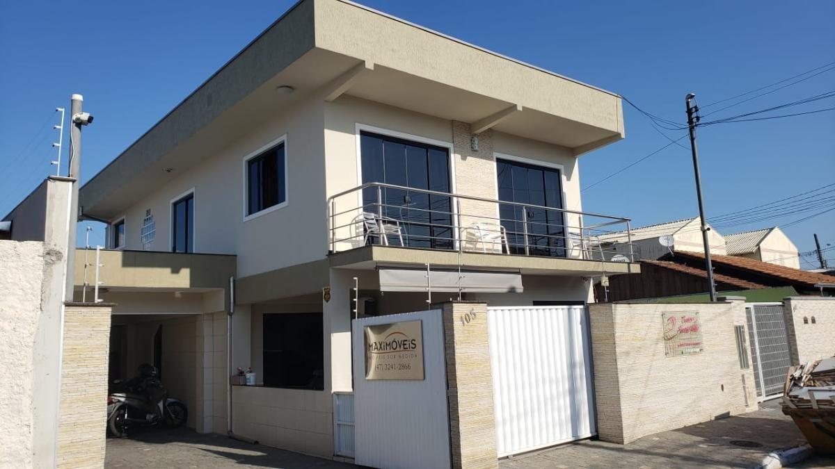 Casa com Galpão para Venda no bairro São Vicente em Itajaí