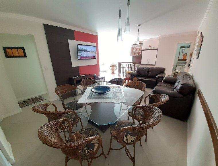 Apartamento na quadra do mar 3 suítes