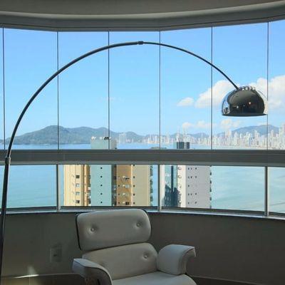 Apartamento mobiliado com vista para o mar!