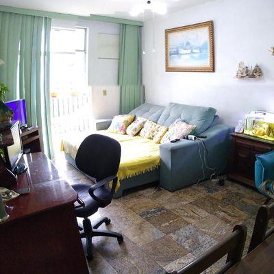 Apartamento de 2 Quartos com Dependências de Empregada e 1 Vaga na Joaquim Távora