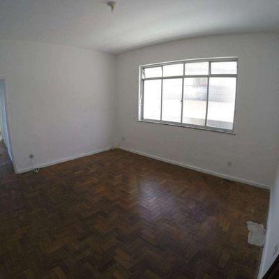 Apartamento de 3 Quartos com 100m² na Rua Presidente Backer em Icaraí