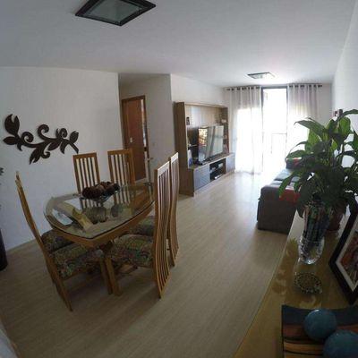 Apartamento com 103m² sendo 3 Quartos dependências completas e 2 vagas Rua Vereador Duque Estrada