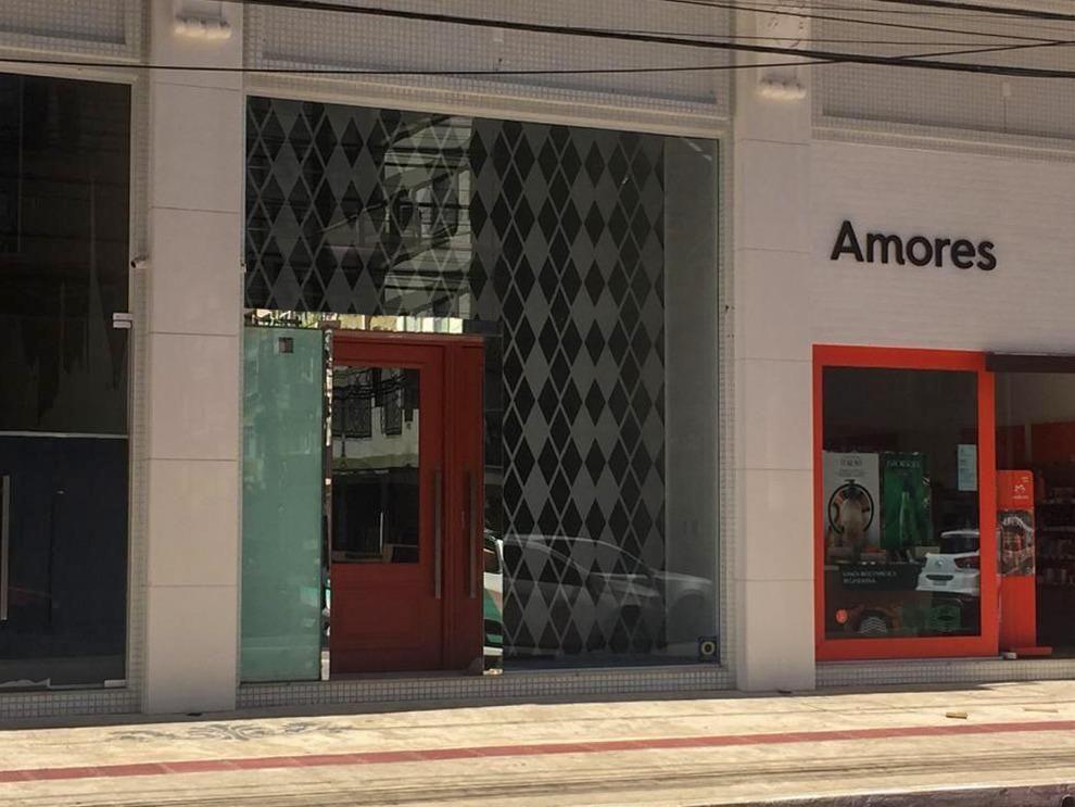 SALA COMERCIAL NA AVENIDA BRASIL EM BALNEÁRIO CAMBORIÚ