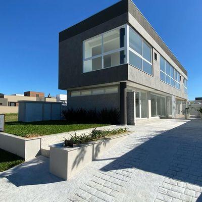 Linda Casa no Condomínio Caledônia - Camboriú