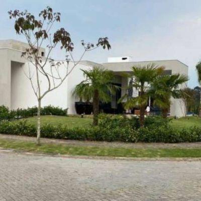 Casa Térrea em Condomínio Fechado -  Reserva Camboriú Yacht e Golf - Camboriú