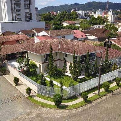 Linda Casa pronta para morar - América - Joinville
