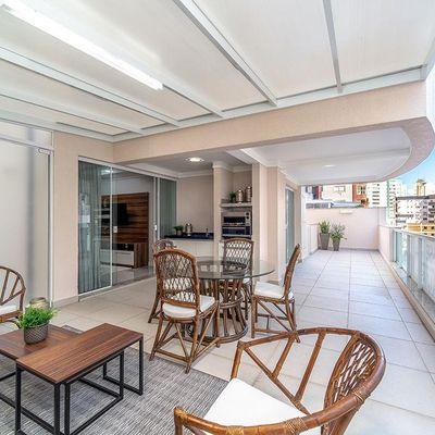 Apartamento no Ed Camellia Sinensis no Centro de Balneário Camboriú