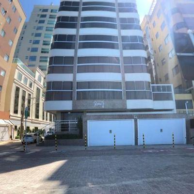 Apartamento Frente Mar, 04 suítes para locação e temporada  Meia Praia Itapema SC
