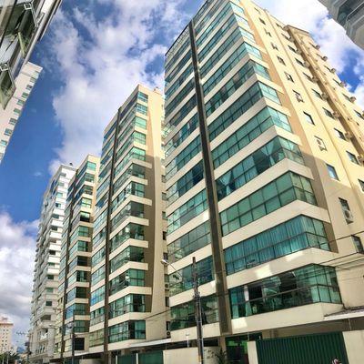 Apartamento com 03 dormitórios para locação de temporada em Meia Praia Itapema SC