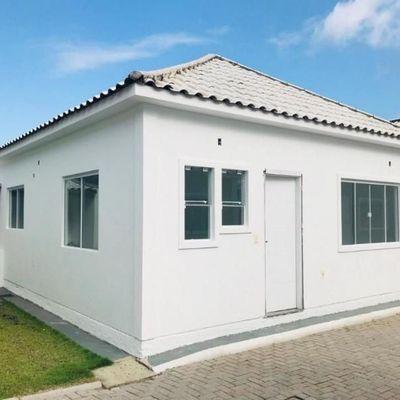 Casa para a venda com 02 dormitórios em Itapema.
