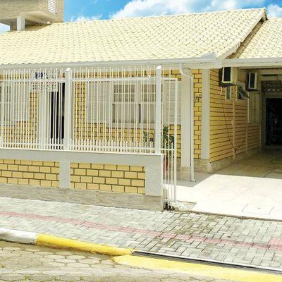 Casa em Meia Praia para alugar na temporada