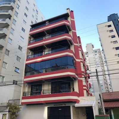 Della Giustina -Apartamento Com 03 Dormitórios à Venda Em Meia Praia, Itapema SC