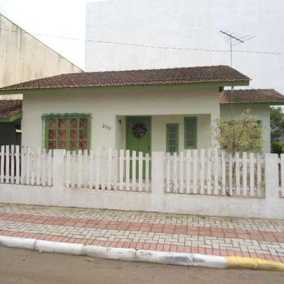 Casa para aluguel de temporada em Meia Praia