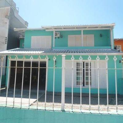 Casa em Meia Praia para locação de temporada
