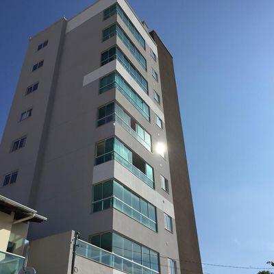 Apartamento para a venda com 03 Dormitórios Em Meia Praia.