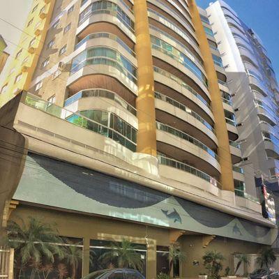 Baia dos Golfinhos - 03 Dormitórios à venda em Meia Praia Itapema
