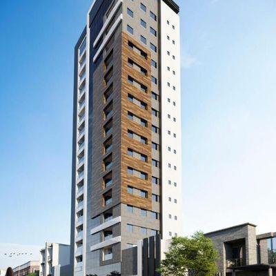 Apartamento com 3 suítes para a venda em Meia Praia.