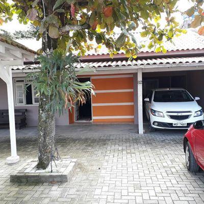 Casa para alugar na temporada no bairro Morretes em Itapema
