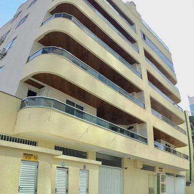 Cobertura Duplex com 03 dormitórios na Quadra do Mar Em Meia Praia, Itapema