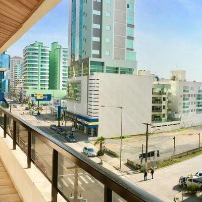 Apartamento de Frente A Avenida Nereu Ramos Com Vista Para O Mar, Na Meia Praia - Itapema