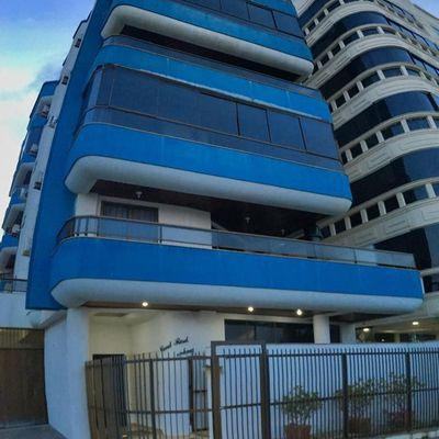 Apartamento com 03 dormitórios frente mar em Meia Praia Itapema SC para alugar na temporada