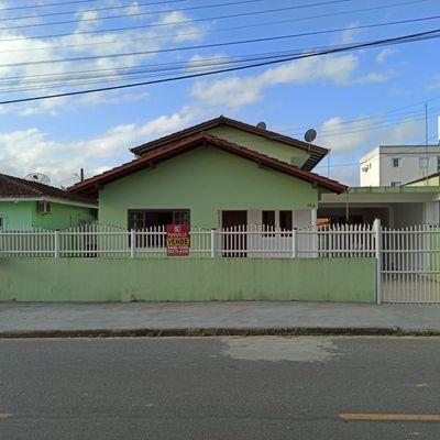 Casa com Sobrado localizado no bairro Jardim Icaraí, Barra Velha - SC