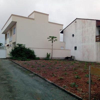 Dois Sobrados a venda por R$750.000,00 - Centro - Barra Velha/SC