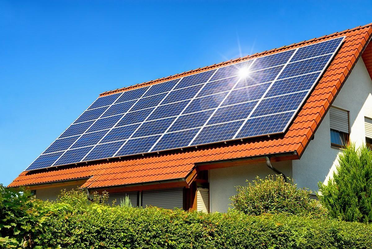 Energia solar e eólica para a construção civil: saiba a melhor opção para valorizar um imóvel