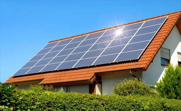 Painéis fotovoltaicos: Compradores de imóveis aceitam pagar mais por esta tecnologia