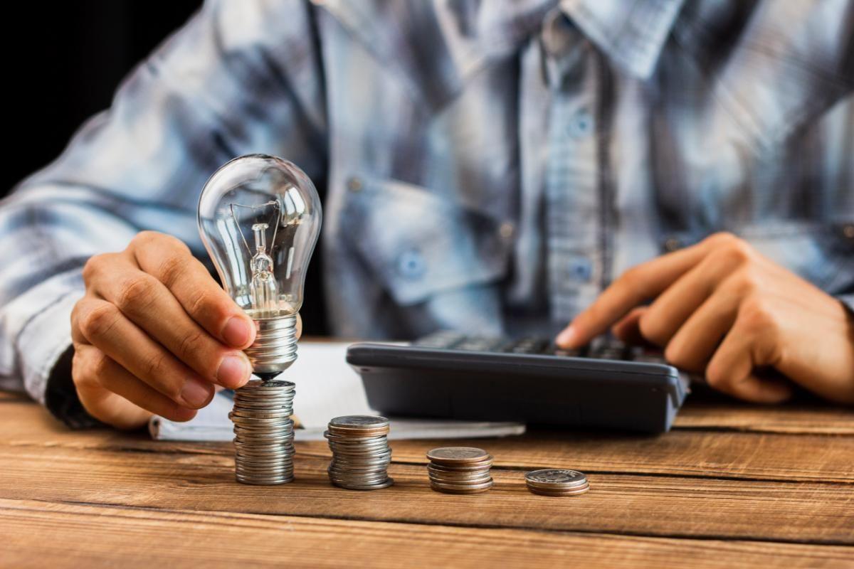 Como uma imobiliária pode me ajudar a investir em imóveis?