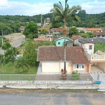 Casa de Alvenaria - Esquina - Loteamento Carmela - Taboão - Rio do Sul