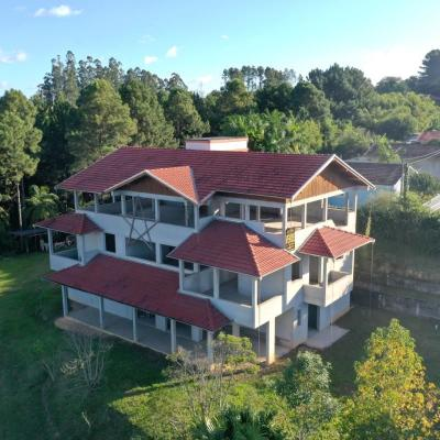 Casa de Alto Padrão - Venda - Construção - Centro - Rio do Oeste