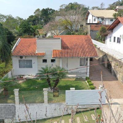 Casa de Alvenaria - Venda - Semi Mobiliada - Loteamento Santa Mônica - Bremer - Rio do Sul