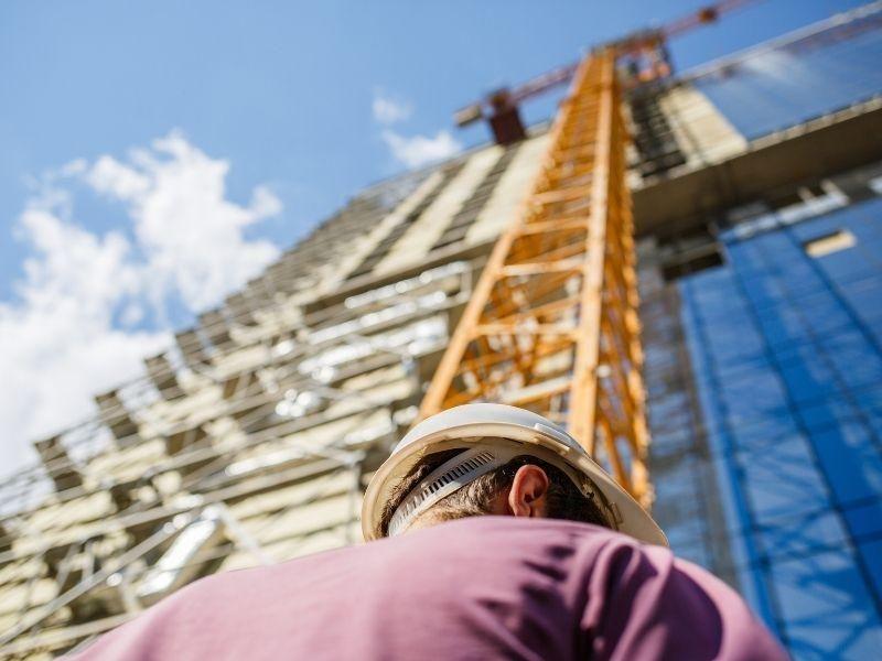 Quais são as etapas de uma obra da construção civil?