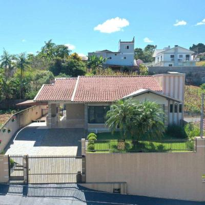Casa de Alvenaria - Aluguel - Laranjeiras - Rio do Sul