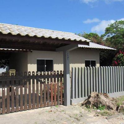► Casa c/ 03 Dormitórios, Região central, próximo da Av. Celso Ramos - Lot. São José