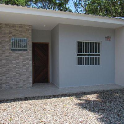 ► Casa nova MOBILIADA c/ 02 quartos, ótimo acabamento, Baln. Brandalize