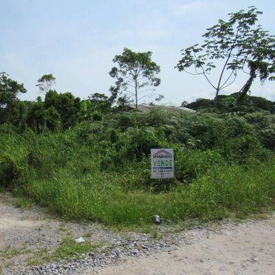 Terreno de esquina c/ 372m², 750m do mar - Balneário Brandalize
