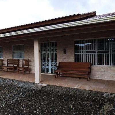 Locação de Temporada - Casa c/ 1 suíte + 1 quarto - 150m da praia em Itapema do Norte
