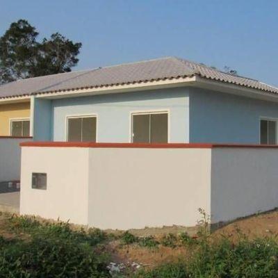 Casa de esquina, c/ 40,25m², 2 dormitórios. Balneário Parque