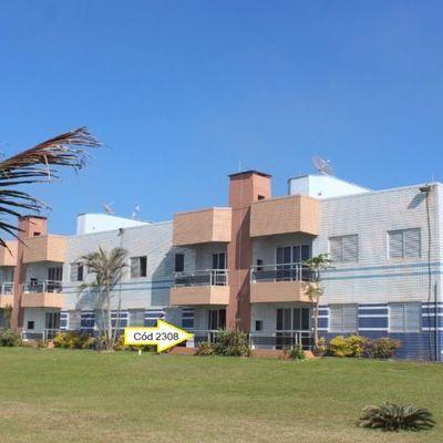 Apartamento térreo, frente mar em condomínio -  Com 1 suíte + 2 quartos