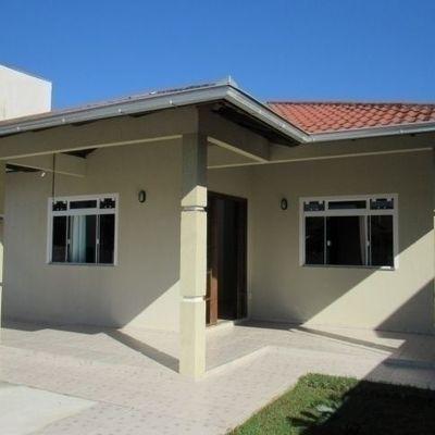 Casa c/ 1 suíte + 3 quartos e piscina. Próx. Av. Pérola
