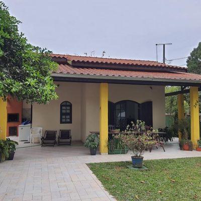 Casa de esquina c/ 122,40m², 350m do mar, face leste - Baln. Itapoá