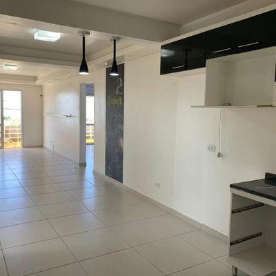 Apartamento nº 01, c/ 2 suítes + 1 quarto, amplo espaço na Avenida Brasil, Balneário Itapoá