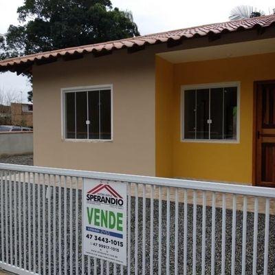 Casa de esquina c/2 quartos,  48m², 600m do mar, Balneário Rio Gracioso