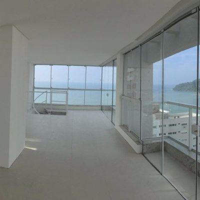 Bela Cobertura na Barra Sul com 270m²