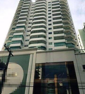 Edifício Golden Tower, em Balneário Camboriú