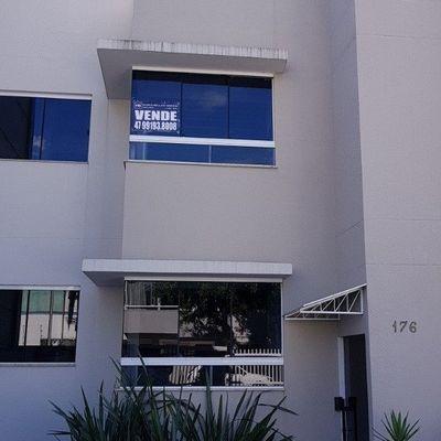 Apartamento Semi Mobiliado com 2 Suítes e 1 Vaga