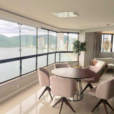 Apartamento para locação anual Frente e Vista Mar