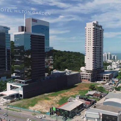 Edifício Brava View, na Praia Brava